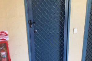 7mm diamond grille barrier door