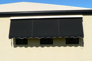 automatic rollup awning short