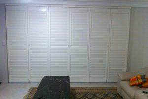 calinfornia shutters full-length closed shut