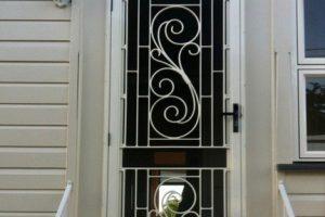 colonial cast doors
