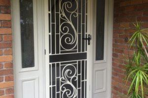 colonial door screen